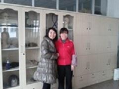 中国JIFAの工場長さんと(2012年3月 打ち合わせにて)